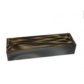 Acrylique stylo et incrustation Guépard