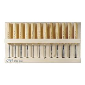 Outils haut de gamme pour la sculpture sur bois. Qualité supérieure, fournis affûtés et prêts à l'emploi.