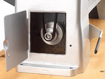 Position de la courroie sur poulie moteur tour à bois DML320